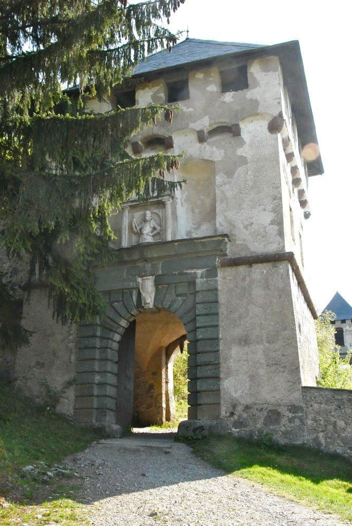 Khevenhuellertor (7.) der Burganlage Hochosterwitz - Hochosterwitz, Kärnten (9314-KTN)