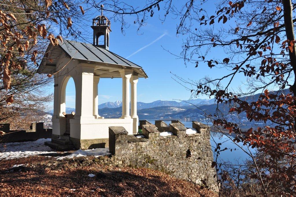 Aussichtspunkt Hohe Gloriette mit Blick auf Pörtschach am Wörthersee - Pörtschach am Wörther See, Kärnten (9210-KTN)