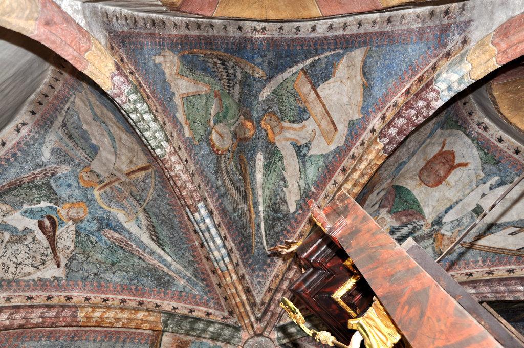 Engel mit Hackbrett und Tamburin (Fresko von Thomas von Villach aus dem Jahr 1527) im Chorschluss der Pfarrkirche Heiliger Andreas - Thörl-Maglern-Greuth, Kärnten (9602-KTN)