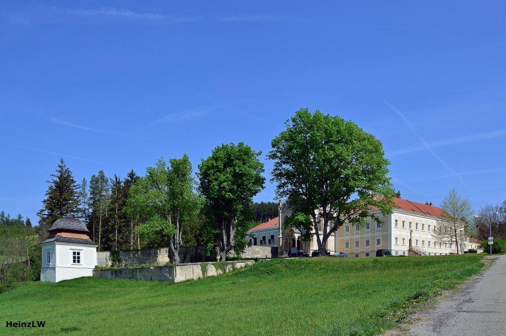 Mayerling, Blick auf das alte Jagdschloss. - Mayerling, Niederösterreich (2534-NOE)