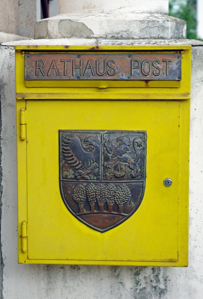 Purkersdorf, Rathaus, Postkasten - Purkersdorf, Niederösterreich (3002-NOE)