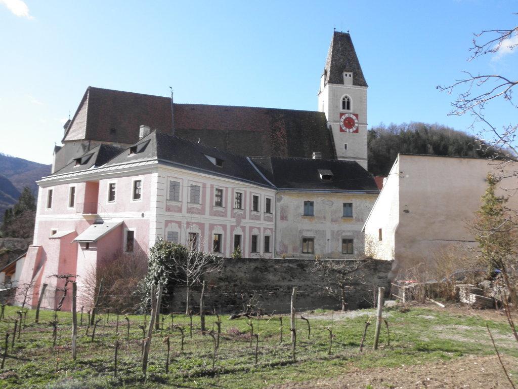 Pfarrhof und Pfarrkirche von Spitz - Spitz, Niederösterreich (3620-NOE)