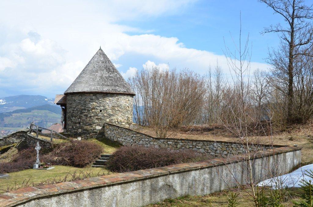 Wehrturm der Burganlage Tevinia - Tiffen, Kärnten (9560-KTN)