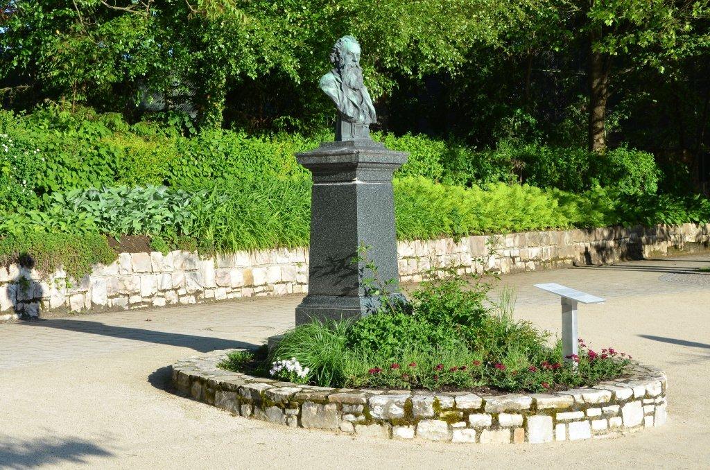Wahliß-Denkmal am Blumenstrand - Blumenstrand, Kärnten (9210-KTN)