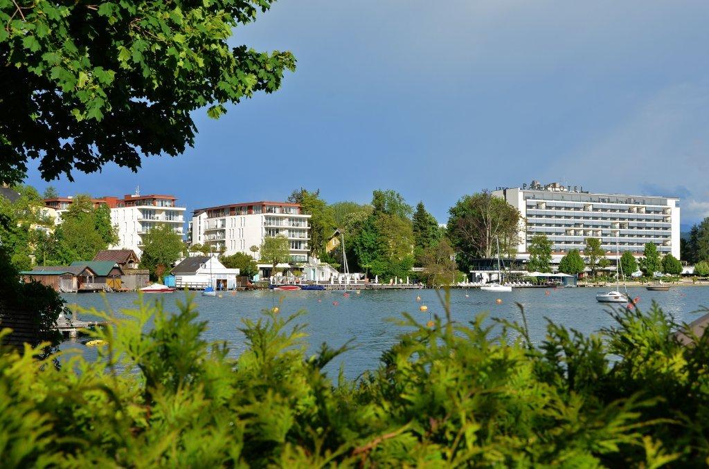 Lake Hotel, Augustenstrasse 24 and Parkhotel, Hans-Pruscha-Weg 5 - Augustenstraße, Kärnten (9210-KTN)
