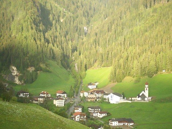 Navis dorf - Naviser Straße, Tirol (6145-TIR)