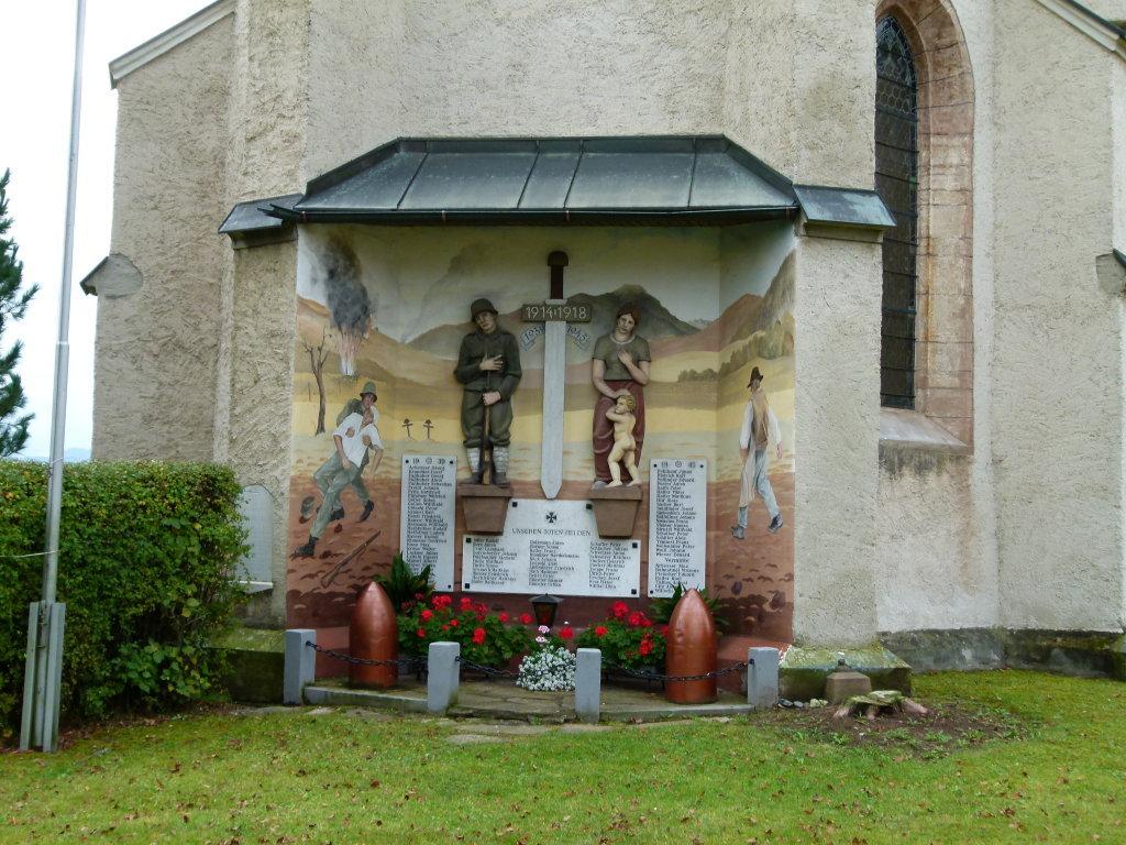 Gefallenendenkmal an der Rückseite der Kirche in Lind - Lind, Steiermark (8724-STM)
