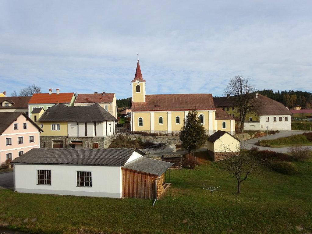 Blick zur Pfarrkirche von Jagenbach sie ist dem Heiligen Antonius von Padua geweiht - Jagenbach, Niederösterreich (3923-NOE)