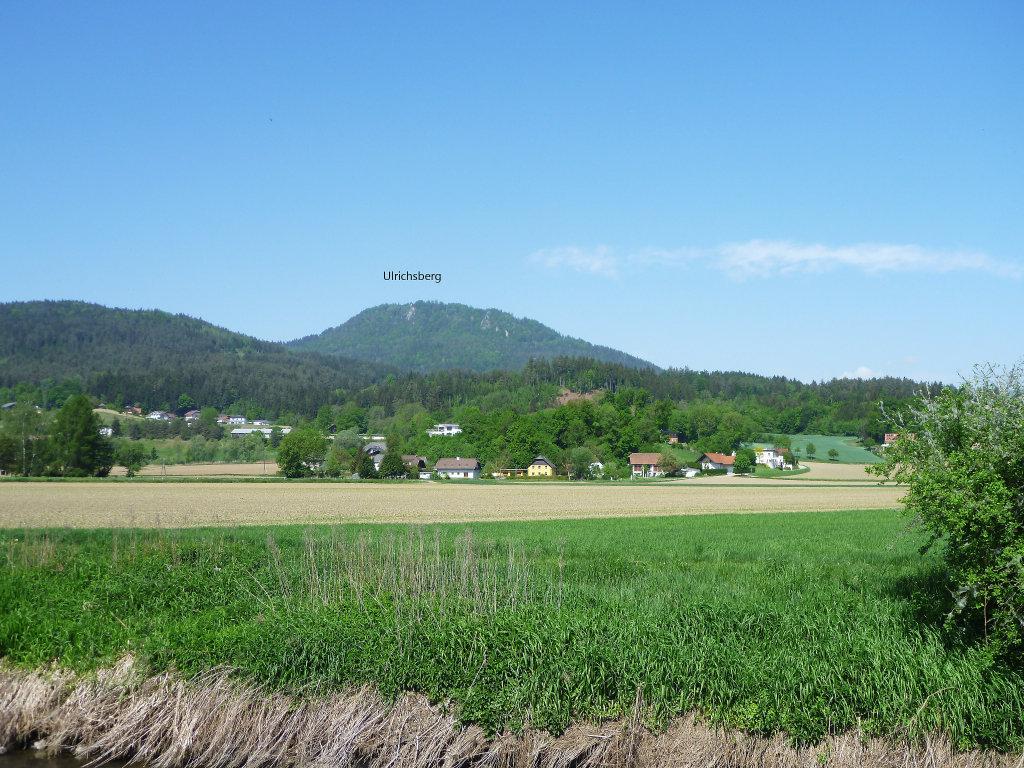 Kuchling vom R7 gesehen, der Ulrichsberg im Hintergrund. Mai 2015 - Kuchling, Kärnten (9063-KTN)