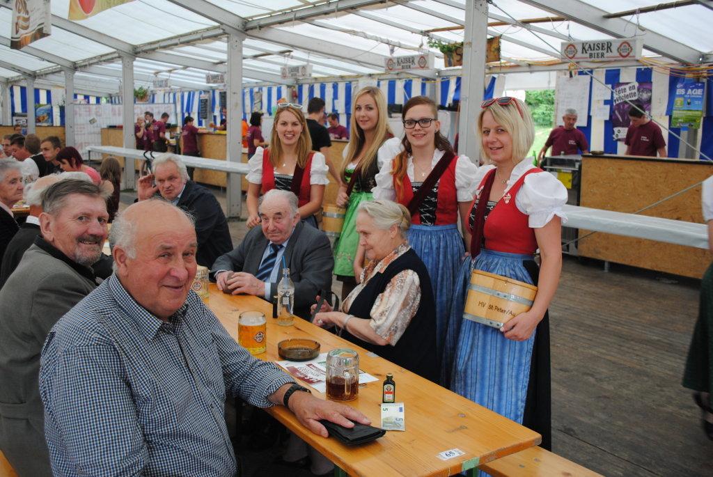 Junge Frauen, alte Herren! - St. Michael am Bruckbach, Niederösterreich (3352-NOE)