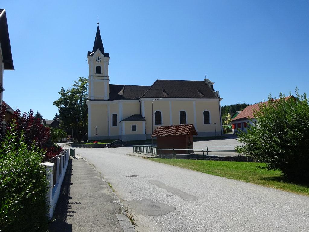 Blick zur Kath. Pfarrkirche Hl. Florian in Scheideldorf - Scheideldorf, Niederösterreich (3800-NOE)