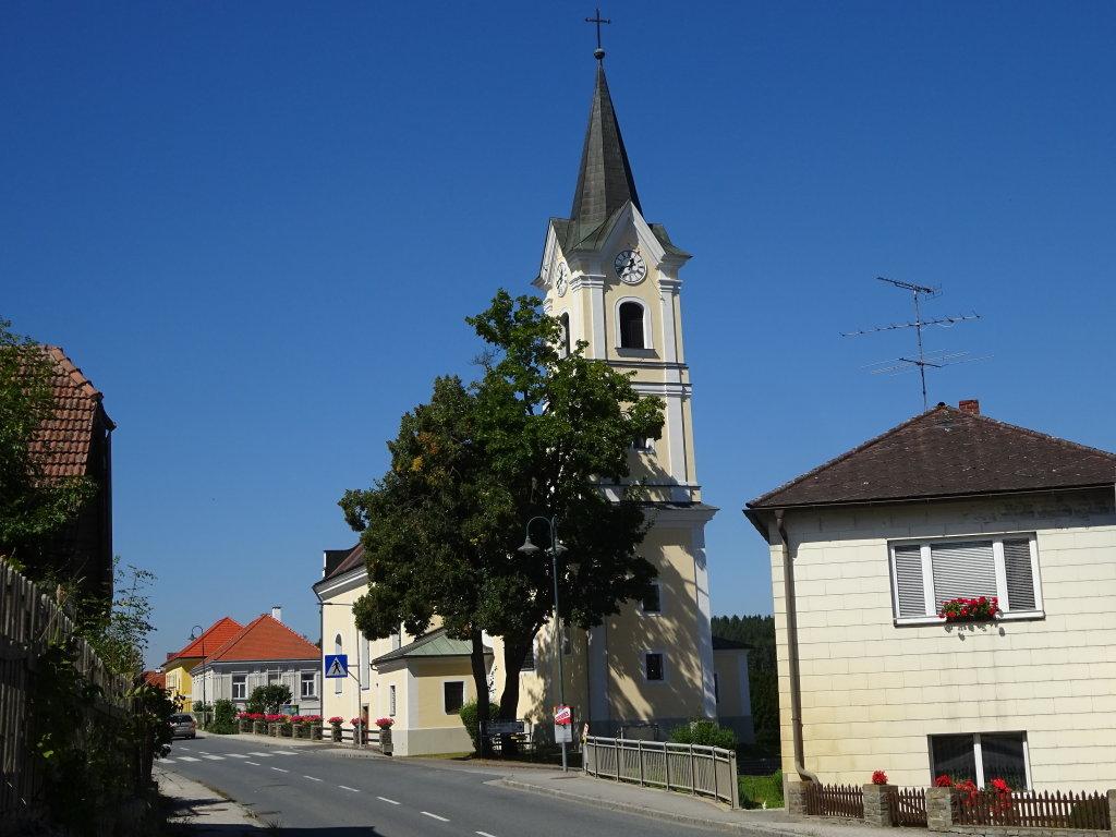 Blick zur Kath. Pfarrkirche in Scheideldorf - Scheideldorf, Niederösterreich (3800-NOE)