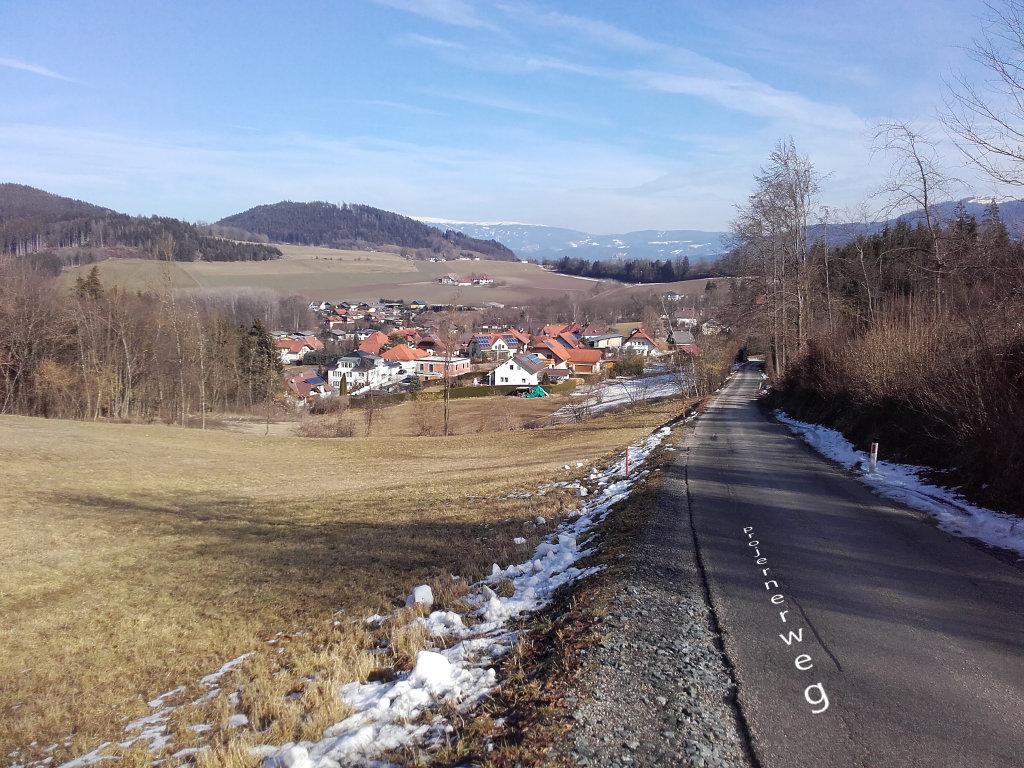 Hörzendorf von Projern kommend gesehen. 22. 2. 2016 - Hörzendorf, Kärnten (9300-KTN)