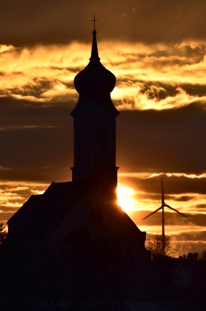 Sonnenaufgang im Winter (2), Kirchenberg Mistelbach - Mistelbach, Niederösterreich (2130-NOE)