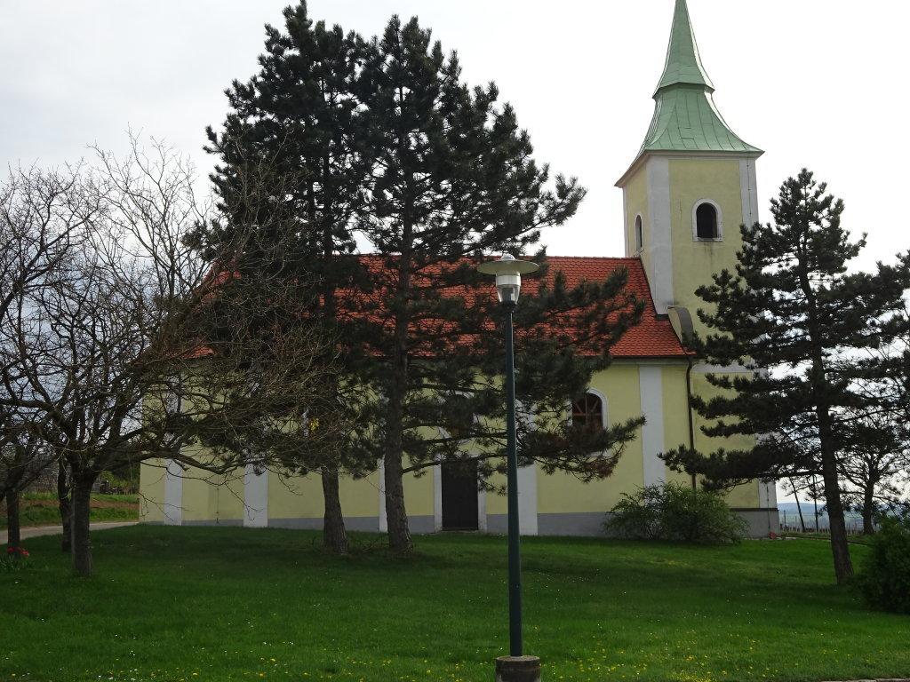 Die dem hl. Wolfgang und dem hl. Alban geweihten Filialkirche in Pillersdorf - Pillersdorf, Niederösterreich (2073-NOE)