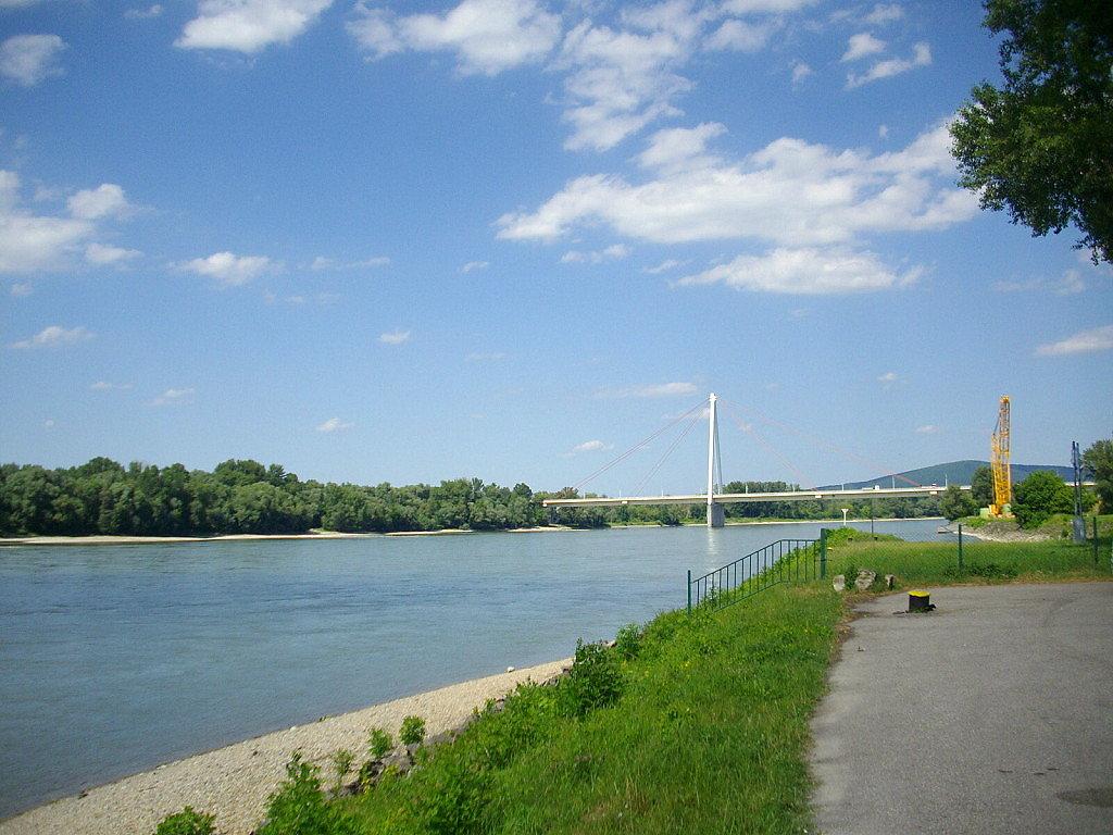 Donaubrücke Hainburg von Kurpark Bad Deutsch Altenburg - Hainburg an der Donau, Niederösterreich (2410-NOE)